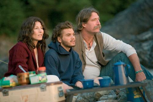 克里斯遇見藍尼和珍這對老嬉皮,即使他們年長克里斯許多,但他們並不責罵和訓話,而是作為朋友般的給予克里斯建議和鼓勵。